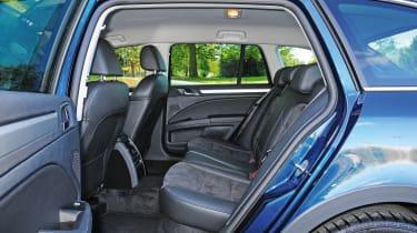 Skoda Superb Estate LT - rear seats