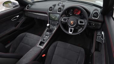 Porsche 718 Boxster GTS - cabin