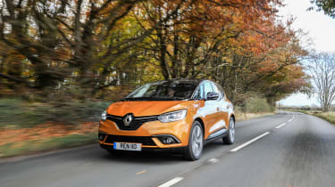 Renault Scenic and Grand Scenic Hybrid Assist - 18