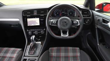 Volkswagen Golf GTI - dash