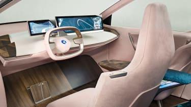 BMW Vision iNEXT - studio dash