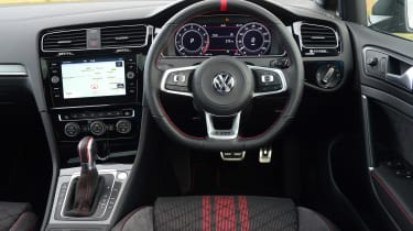 Volkswagen Golf GTI TCR - dash