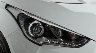 Hyundai Veloster light
