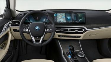BMW i4 - dash