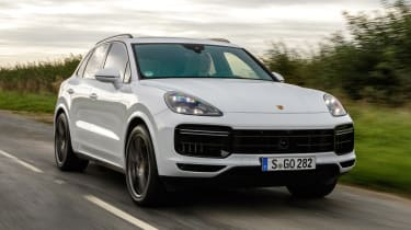 Porsche Cayenne Turbo - front tracking