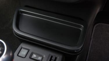 Triple test –Renault Twingo - centre console buttons