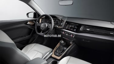 Audi A1 - leak grey dash