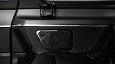 Mercedes V-Class - cupholder