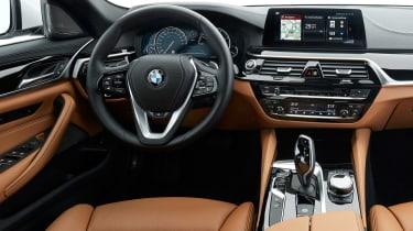 BMW 5 Series Touring - dash