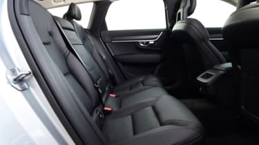 Volvo V90 Cross Country - rear seats
