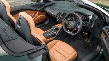 Audi R8 Spyder V10 plus - interior