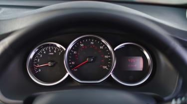 Dacia Sandero Stepway Techroad - dials
