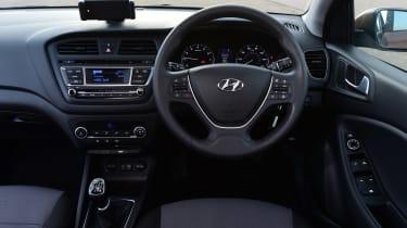 Hyundai i20 - dash