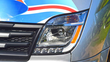 LDV V80 - front light