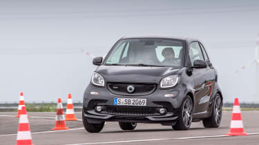 Smart ForTwo Brabus 2016 - front cornering 2