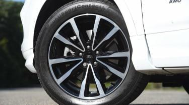 Ford Kuga - wheel