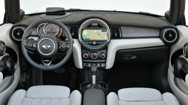 MINI Convertible Automatic - interior