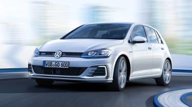 New 2017 Volkswagen Golf GTE - front action