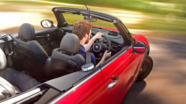 MINI Convertible - driving