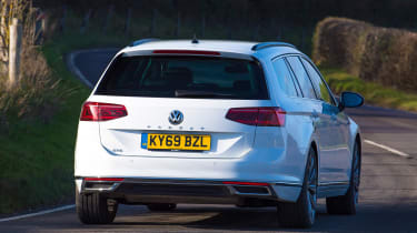 Volkswagen Passat GTE - rear cornering