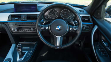 Used BMW 3 Series - dash