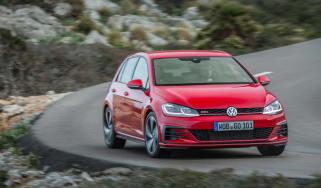 Volkswagen Golf GTI Performance Pack 2017 cornering