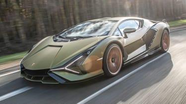 Lamborghini Sian - front tracking