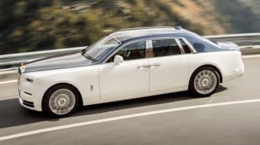 Rolls-Royce Phantom - side profile action