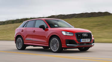 Audi SQ2 - front tracking