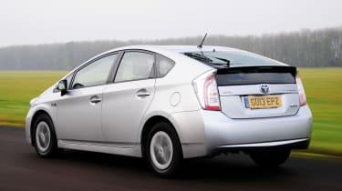 Toyota Prius plug-in 2013 rear tracking