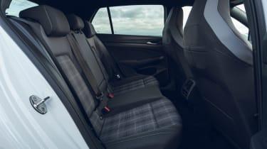 Volkswagen Golf GTD - rear seats