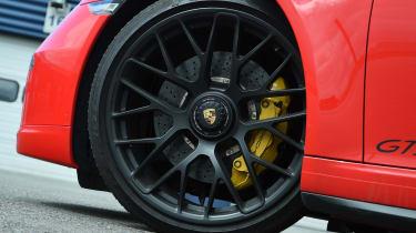 Porsche 911 GTS wheel