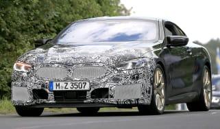 BMW 8 Series facelift - spyshot 1