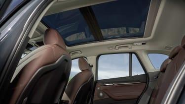 BMW X1 - roof