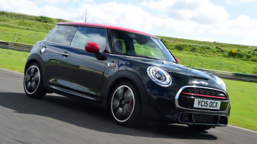 MINI JCW - front tracking