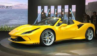Ferrari F8 Spider - front reveal