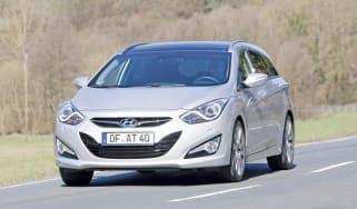 Hyundai i40 front track