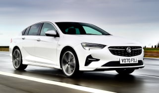 Vauxhall Insignia 1.5 diesel - front