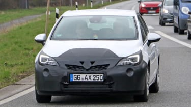 2019 Vauxhall Astra spyshot - full front action