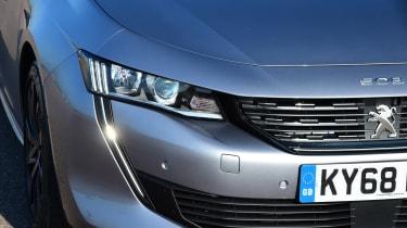Peugeot 508 Fastback - headlights