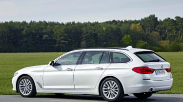 BMW 5 Series Touring - side static