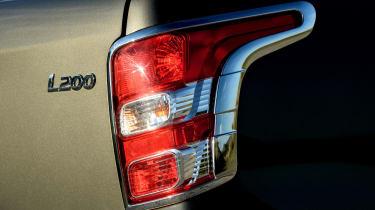 Mitsubishi L200 - rear light
