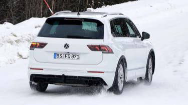Volkswagen Tiguan R - spyshot 8