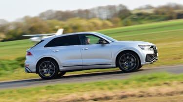 Audi SQ8 - side