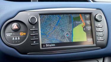 Toyota Yaris Hybrid Bi-Tone - sat-nav