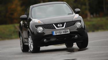 Nissan Juke Acenta Premium front cornering