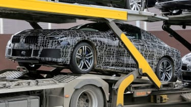 BMW 8 Series - spy shot transporter