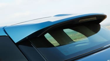Range Rover Evoque 2WD spoiler
