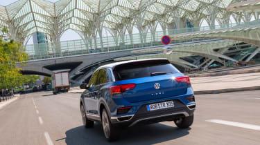 Volkswagen T-Roc - rear tracking