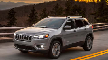 2018 Jeep Cherokee front quarter action